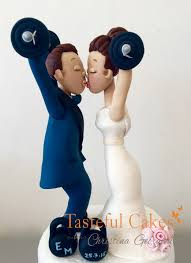 tasteful cakes by christina georgiou weightlifting bride and