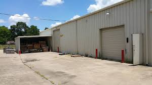 7 200 sf warehouse on one acre for lease in se houston new