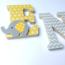 lettres pour chambre bébé lettres pour chambre bebe lettres pracnom en bois et tissu