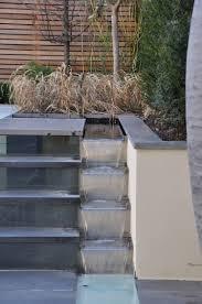 idee de jardin moderne cascade jardin s u0027invite à l u0027extérieur pour le rehausser u201320 idées