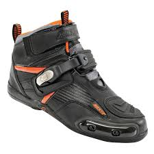 motorcycle racing shoes don u0027t like boots check out these motorcycle shoes dennis kirk