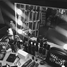 makeup schools 71 best lighted makeup station needed for images on