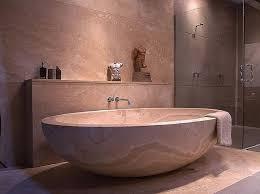 mediterrane badezimmer mediterrane badezimmer bilder badewanne aus travertin shabby