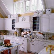 French Style Kitchen Ideas Best 25 Yellow Country Kitchens Ideas On Pinterest Blue Yellow