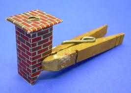 building a vintage style cardboard log house
