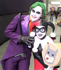 batman cosplay 18 pics batman harley quinn cosplay the joker