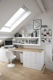 bureau sous pente comment aménager un bureau sous les combles cocon de décoration