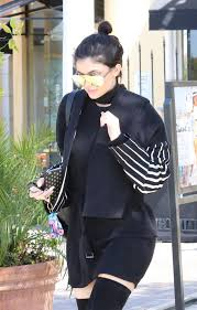 jenner urban out for lunch in calabasas 5 18 2016