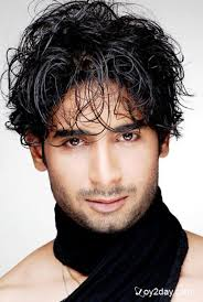 new hairstyle of bollywood mens priyanka chopra short hair cut 1