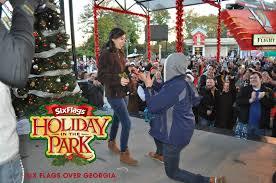 Six Flags Grand Prairie Most Couples Kissing Under The Mistletoe Six Flags Breaks