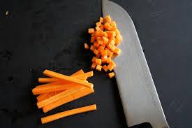 comment cuisiner les carottes vidéo tailler une carotte en brunoise