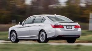 nissan altima 2016 vs chrysler 200 2015 honda accord vs 2015 nissan altima youtube