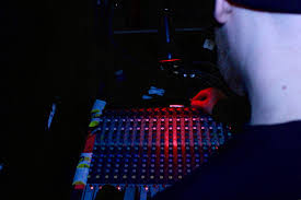 here u0027s why the sound and lighting engineer is the most important