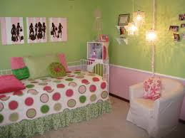 Green Bedroom Walls by And Fun Pink Green And Turquoise U0027s Bedroom With Pale Green