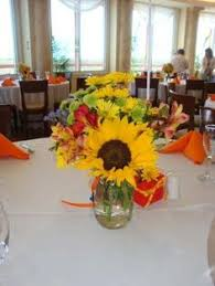 Centerpieces With Sunflowers by Sunflower Centerpiece With Just Sunflowers And Queen Ann U0027s Lace