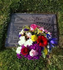 graveside flowers never forgotten graveside flower placement 6 dates in burbank