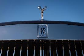 rolls royce hood ornament rolls royce renews commitment to post brexit britain after german
