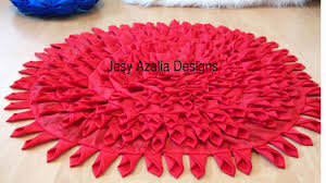 floor mat by using old dress creative ways to reuse recycle diy
