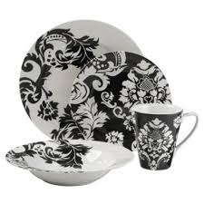 the cheap black and white dishes in delicious designs