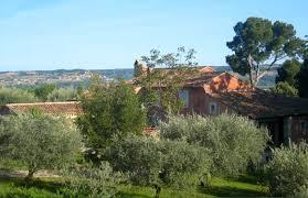chambres d hotes les baux de provence bienvenue à amour provence gite et chambres d hotes au pied de séguret