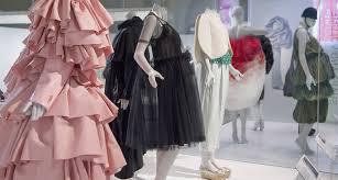 v u0026a fashion