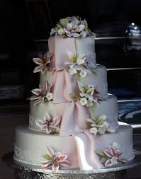 buy wedding cake chron appetit where s the best place to buy a really cake