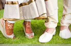 wedding shoes for grass how to nail the outdoor wedding shoes