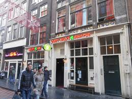hostel amsterdam red light district staying in amsterdam s red light district durty nelly s irish pub