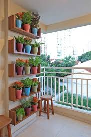 Decorating A Small Apartment Balcony by Best 25 Apartment Balcony Decorating Ideas On Pinterest Small