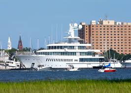 yacht owned by sears ceo eddie lampert not mark cuban docked