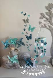 accessoire chambre bebe une chambre de bébé bleue et grise c est ça la vie