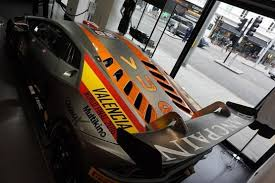 lamborghini race car you can now own a lamborghini huracan race car for just 256 000