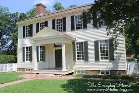 What Is A Colonial House Colonial Williamsburg A Step Back In Time The Everyday Home