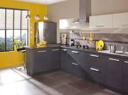 deco mur cuisine moderne cuisine colorée découvrez toutes nos inspirations