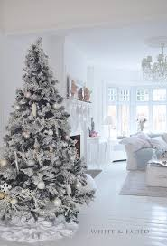 314 best whitley u0027s white christmas cottage images on pinterest