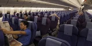 siege avion bagarres en avion à cause des passagers qui inclinent leur siège
