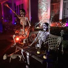 cool halloween yard decorations 12 winning halloween yard decorations from instagram brit co
