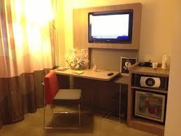 coffre fort bureau tv frigo coffre fort bouilloire bureau photo de