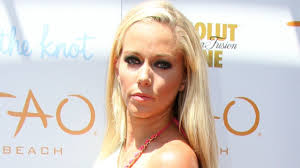 kendra wedding ring kendra wilkinson posts a photo without wedding ring