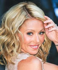 kelly ripa hair style shoulder length celebrity hairstyles naturallycurly com