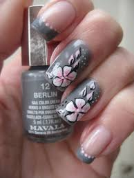 gray nails with white flowers design idea with tutorial video