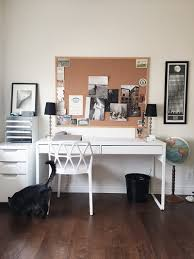 tableau pour bureau bureau bestå burs avec un grand tableau de liège au dessus pour