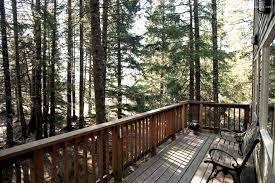 treehouse stay in alaska