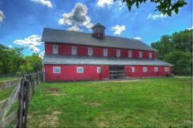 file rustic red barn jpg wikimedia commons