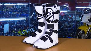 dirt bike racing boots fly racing maverik mx boots review youtube