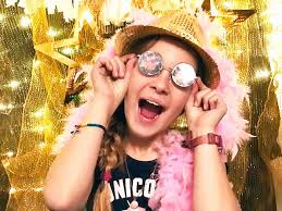 new years backdrop how to make a new year s party photo booth backdrop 100