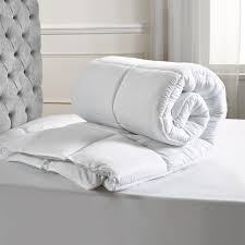 5 star luxury super soft 4 5 tog summer duvet julian charles