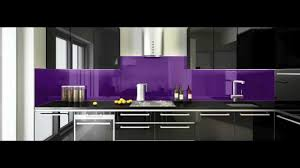why you should replace your kitchen tiles with glass splashback