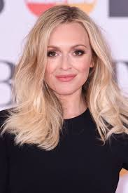 long hairstyles to compliment sagging jawline 14 anti ageing haircuts that will give you an instant facelift