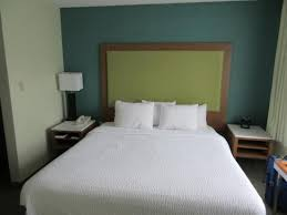 king bed at spring hill suites picture of springhill suites